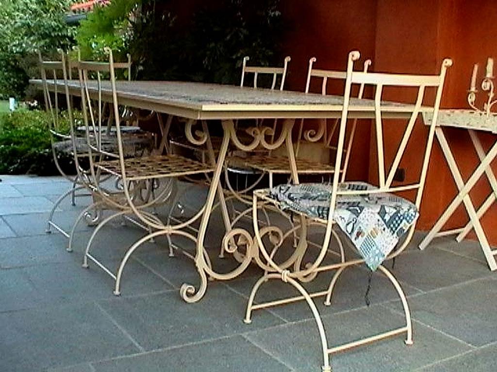 Tavoli in legno per esterni
